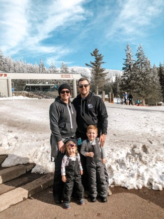 family pic skiing